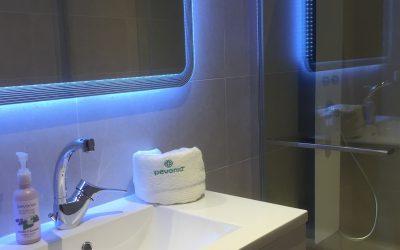 Institut-Hotel-Spa-Les-Alpes-Gréoux-salle-de-bains.jpg