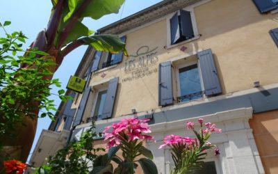 Logis-Hôtel-SPA-Les-Alpes-Gréoux-les-Bains-1024x768